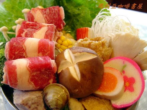 牛肉火鍋 (Beef Pot)