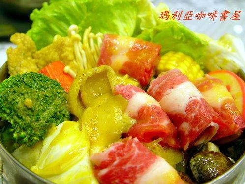 牛肉咖哩火鍋 (Beef Curry Pot)